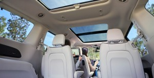 2019-chrysler-pacifica-gallery-interior-16.jpg.image.1440